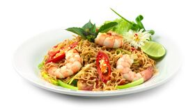 Free Stir Fried Instant Noodles With Shrimps Asian Thai Food Fusion Style Easy Dish Street Food Stock Photography - 185665442