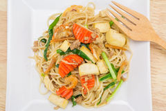 Stir-fried noodles, Chinese style Royalty Free Stock Images