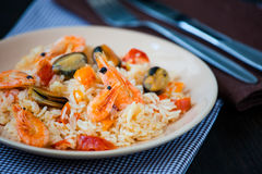 Stir fried rice noodles with prawns and mussels Royalty Free Stock Image