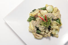 Stir fried Shanghai noodle with green curry Royalty Free Stock Images