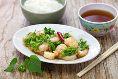 Stir-fried Tonkin jasmin flowers and shrimp Royalty Free Stock Images