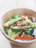 Stir-fried vegetable. In wood bowl Royalty Free Stock Images