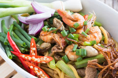Stir fried yellow noodle mee pad hokkian phuket Stock Photos