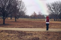 Stirra på horisonten i en parkera arkivbild