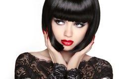 stirrande Framsida för flicka för modemodell, skönhetkvinnamakeup och egennamnblac arkivbilder