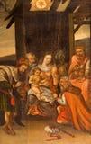 Stitnik - scène de trois Rois mages sur le bois de l'autel principal Renaissance-baroque de l'église évangélique gothique dans Sti Image libre de droits