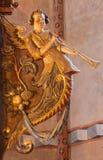 Stitnik - sollievo dell'angelo dall'altare principale di tardi-rinascita della chiesa evangelica gotica in Stitnik a partire dall' Immagini Stock
