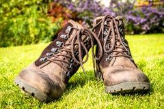 Stivali di camminata con i pizzi dell'occhiello Fotografia Stock Libera da Diritti