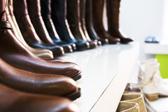 Stivali di cuoio delle donne Immagini Stock Libere da Diritti