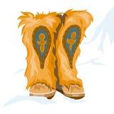 Stivali di inverno fatti di pelliccia con la decorazione etnica Fotografie Stock Libere da Diritti