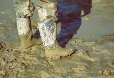 Stivali fangosi 2 del lavoro Fotografie Stock Libere da Diritti