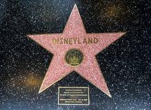 Stjärnan för Disneyland ` s, Hollywood går av berömmelse - Augusti 11th, 2017 - den Hollywood boulevarden, Los Angeles, Kaliforni royaltyfria bilder