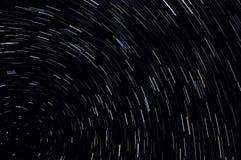 Stjärnan spårar himmelutrymme Arkivbild