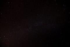 Stjärnbelyst natthimmel Arkivfoto