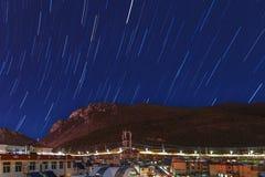 Stjärnklar himmel för platå