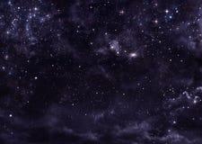Stjärnklar himmel i öppna utrymmet Royaltyfri Fotografi