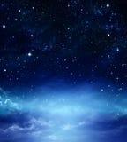 Stjärnklar himmel i öppna utrymmet Royaltyfria Bilder