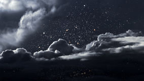 Stjärnklar natt med moln Royaltyfri Fotografi