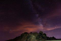 Stjärnklar natt ovanför Tenerife Arkivbild