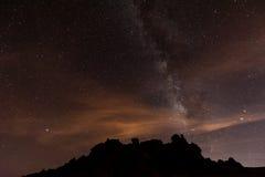 Stjärnklar natt ovanför Tenerife Arkivbilder