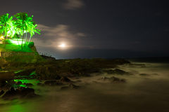 Stjärnklar natt på kusten av Salvador de Bahia Arkivbilder