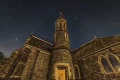 Stjärnor över kyrka för St David ` s Royaltyfri Bild