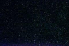 Stjärnor och bakgrund för universum för natt för galaxyttre rymdhimmel fotografering för bildbyråer