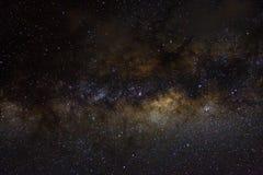 Stjärnor och bakgrund för universum för natt för galaxyttre rymdhimmel svart stjärnklar av skinande starfield arkivbild
