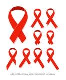 Ställ in det röda vektorbandet för medvetenhet, symbol av HJÄLPMEDELminnesdagen på vit Royaltyfri Foto