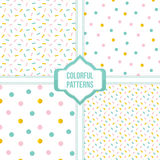 Ställ in samlingen av fyra färgrika konfettier, prickig sömlös modellbakgrund Royaltyfria Bilder