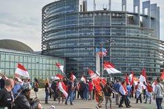Stängd gata på Europaparlamentet Arkivfoton