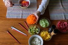 Stoß-Schüssel-Abendessen lizenzfreies stockfoto