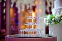 Stołowa ślubna dekoracja z naczynia rozwidleniem i łyżką zdjęcie stock