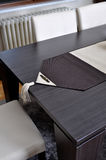 Stołowi i rzemienni krzesła Fotografia Stock