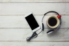 Stołowy wierzchołek technologii i muzyki tło Fotografia Stock