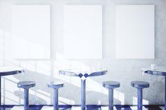 Stoły, krzesła i puste miejsce sztandary, royalty ilustracja