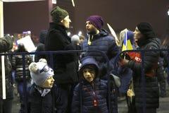 Sto tysiąc protest jako Rumunia relaksuje korupci prawo Zdjęcie Stock