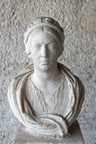 Бюст женщины на Stoa Attalos, старой агоре, Афинах, Греции стоковые изображения rf