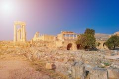 Stoa i Propylaea na akropolu Lindos Rhodes, portyk, Gree zdjęcie stock