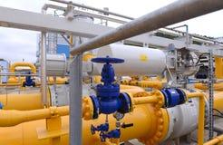 Stoccaggio e conduttura di gas in Ihtiman, ot ottobre della Bulgaria 13, 2015 Immagine Stock Libera da Diritti