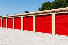Stoccaggio numerato di auto e mini unità del garage di stoccaggio I fotografia stock