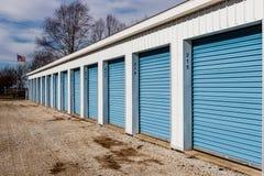 Stoccaggio numerato di auto e mini unità del garage di stoccaggio III Fotografie Stock