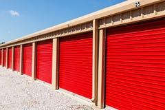Stoccaggio numerato di auto e mini unità del garage di stoccaggio III fotografie stock libere da diritti
