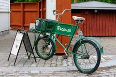 Stoccolma, Svezia, vecchia bicicletta nel parco di Skansen Immagini Stock