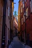 Stoccolma, Svezia, via stretta di vecchia città Immagine Stock Libera da Diritti