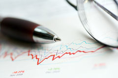 Stock market graphs analysis Royalty Free Stock Photography
