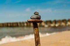 Stock mit Steinen Stockfotos