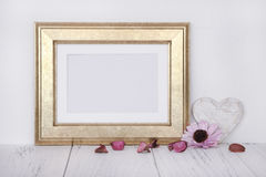 Free Stock Photography Golden Picture Frame Craft Decoration Feminine Stock Image - 93139051
