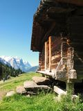Stockage/abri alpins de fromage Berner Oberland images libres de droits