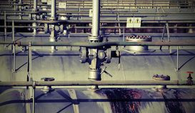 Stockage des matériaux inflammables de l'ensemble industriel avec le coffre-fort Photographie stock